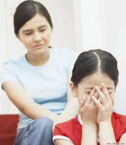 Nhiều câu nói của cha mẹ gây cho trẻ tâm lý hoang mang, không được yêu thương