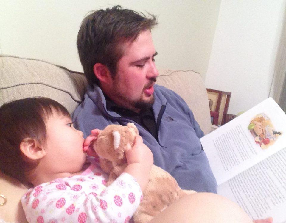 11 lý do bố mẹ nên đọc sách cho con trước khi ngủ