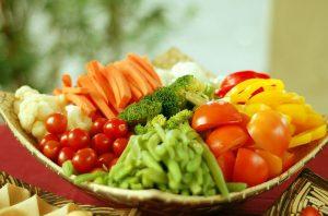 Những người có vấn đề về tiêu hóa không nên ăn quá nhiều chất xơ