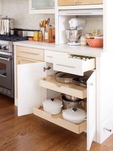Các góc lưu trữ ẩn giúp bạn cất giữ các đồ dùng nhà bếp gọn gàng mà vẫn tiết kiệm được không gian tối đa