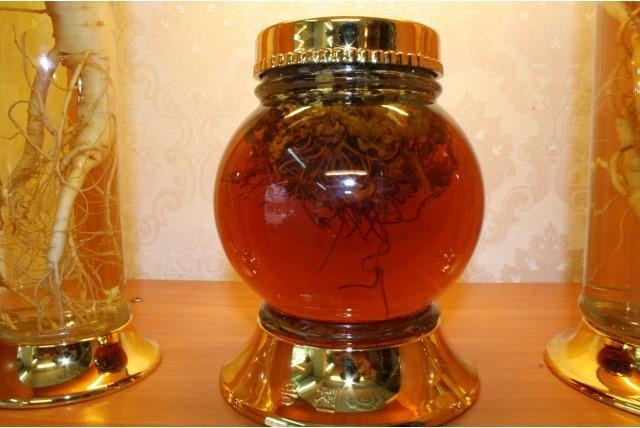 Đông trùng hạ thảo sử dụng để ngâm rượu