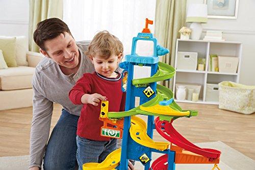 Vui chơi cùng trẻ giúp bạn gắn kết tình cảm với bé