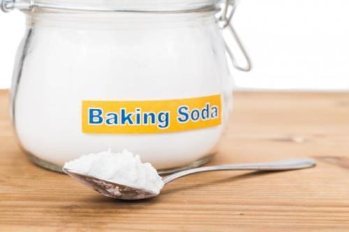 Sử dụng baking soda để khử mùi tủ lạnh