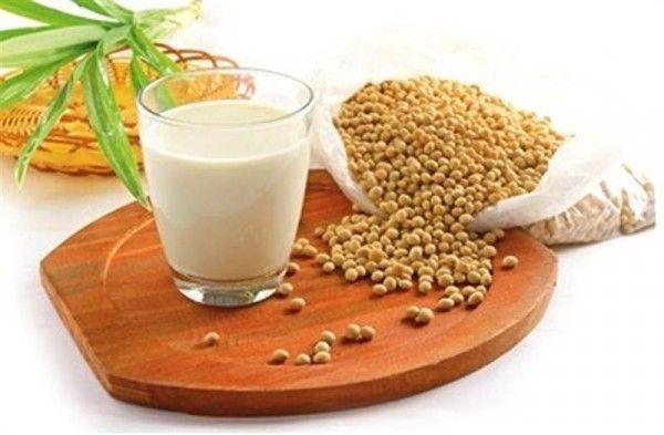 Phụ nữ chuẩn bị mang thai có nên uống sữa đậu nành?