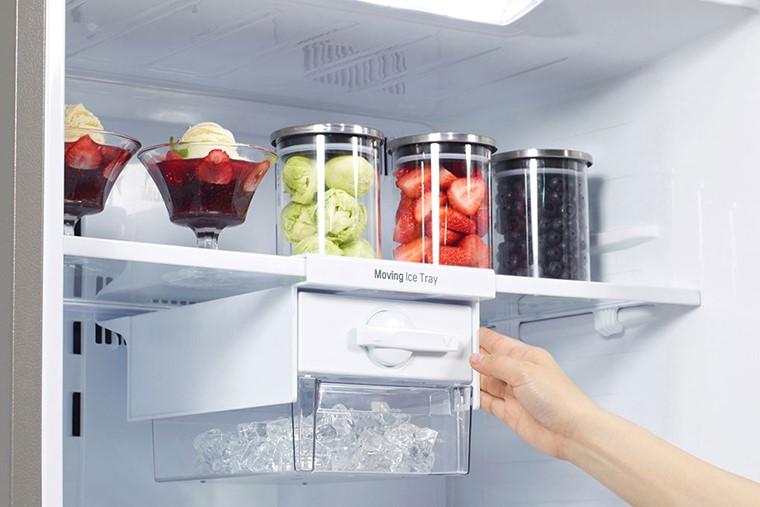 Tủ lạnh Toshiba có mùi hôi nhiều ngày