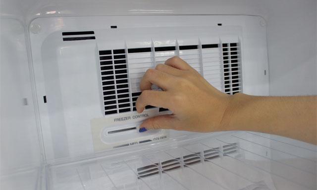 Vệ sinh quạt gió tủ lạnh sạch sẽ