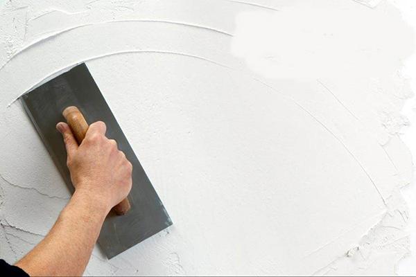 Có nên bả tường trước khi sơn không?