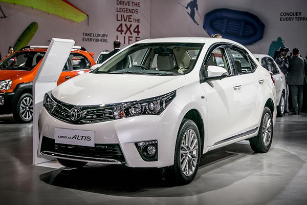 Có nên mua Toyota Altis hay không?