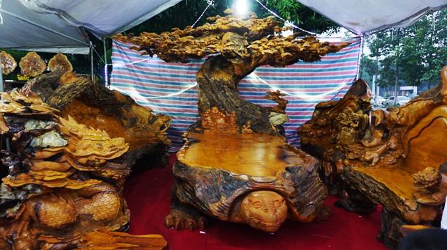 Bàn ghế gỗ trai vàng bọ tứ linh cực chất