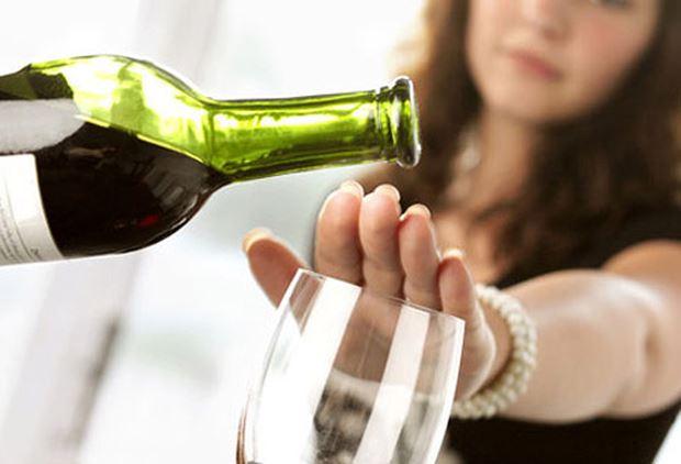 Hạn chế uống rượu, bia, các đồ uống có cồn