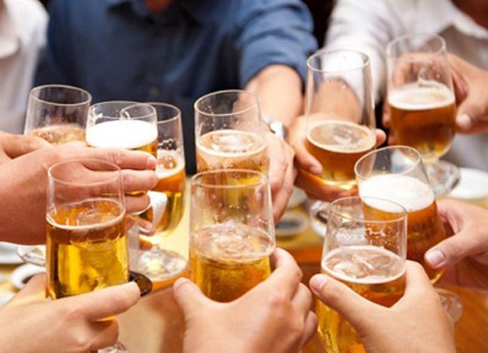 Những người nghiện bia, rượu có nguy cơ mắc bệnh yếu sinh rất cao